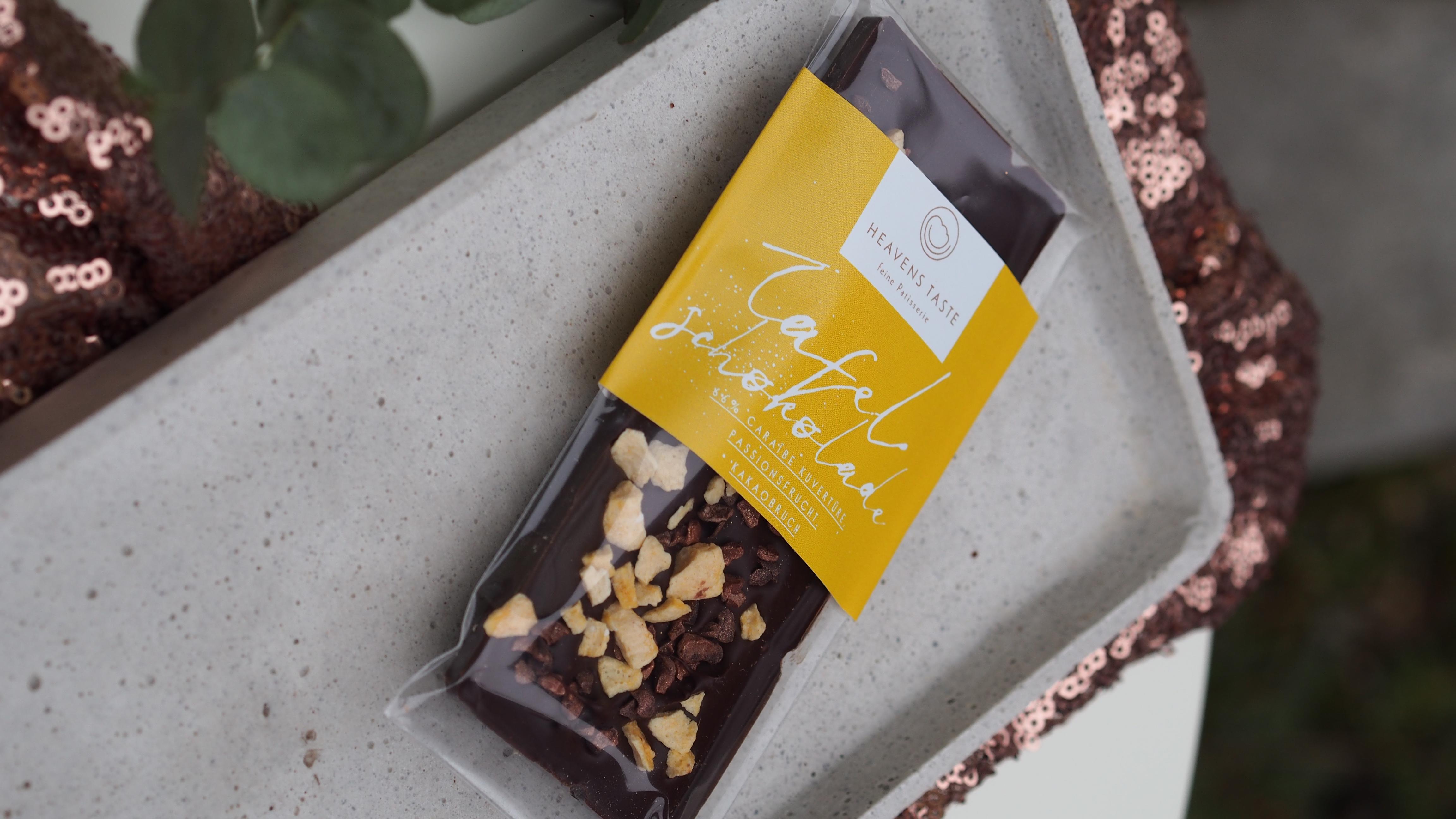 Tafelschokolade 66% Caraiibe mit Passionfrucht und Crue de Cacao, VEGAN, 50 Gramm