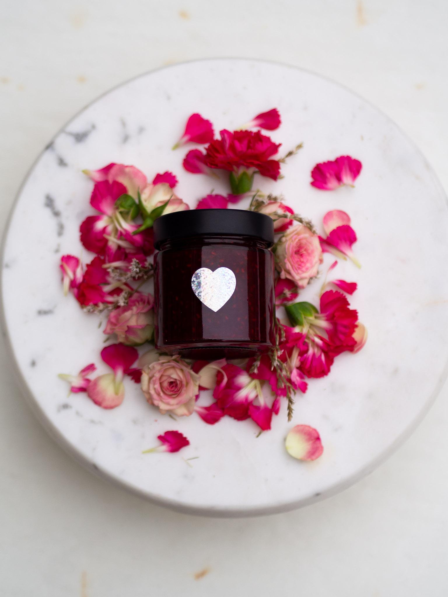 Himbeer-Litschi Konfitüre Extra mit Rosenblüten, 200ml